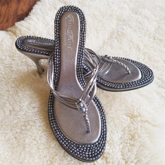 d6cf1c515d6f Gray Pearl Thong Heeled Sandals. M 5b30e7e412cd4a0fa800083e